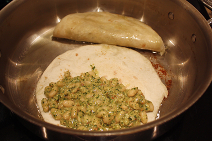 pesto in tortillas